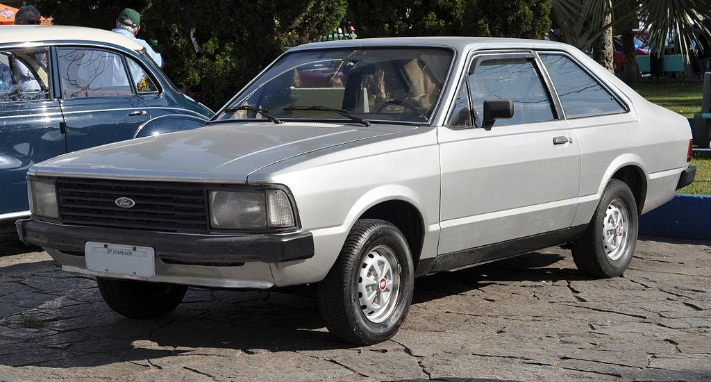 Carros dos anos 80 e 90 recebem homenagem no Anhembi